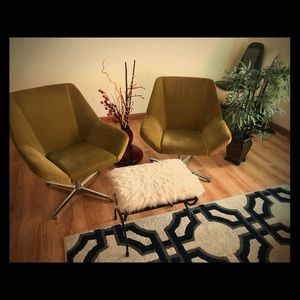 2 KEILHAUER CHAIRS (LUXURY!!!)